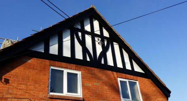 roofing-with-feature